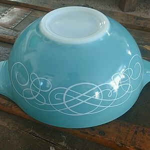 Other - Vintage 1959 Pyrex Bowl Turquoise Aqua Scroll